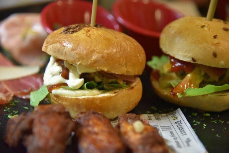 la bonora mini burger aperitivo